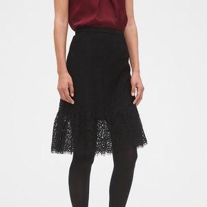 BANANA REPUBLIC Black Lace Flounce Pencil Skirt
